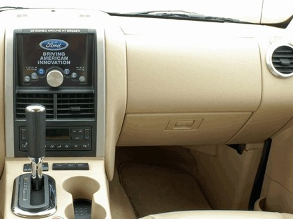 2006 Ford Explorer Limited hydrogen fuel cell 6
