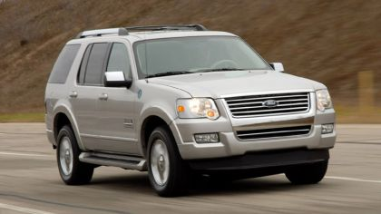 2006 Ford Explorer Limited hydrogen fuel cell 9