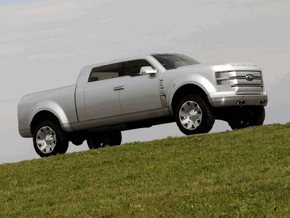2006 Ford F-250 Super Chief concept 30