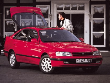 1992 Toyota Carina E ( ST190 ) liftback 1