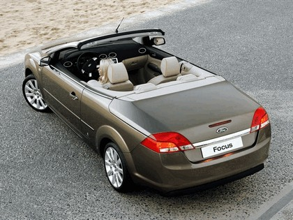 2006 Ford Focus coupé-cabriolet 2