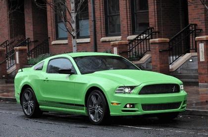 2012 Ford Mustang V6 1