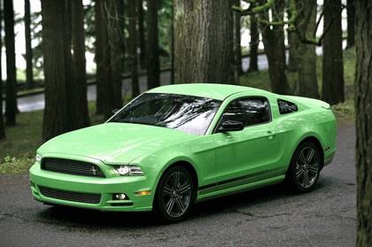 2012 Ford Mustang V6 8