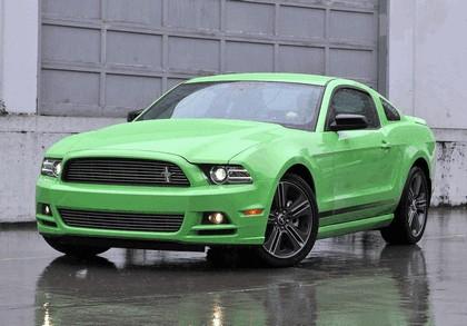 2012 Ford Mustang V6 21