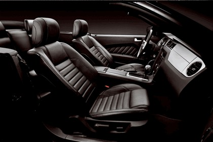2012 Ford Mustang V6 24