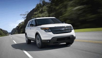 2013 Ford Explorer Sport 4
