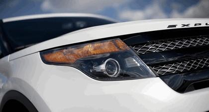2013 Ford Explorer Sport 10