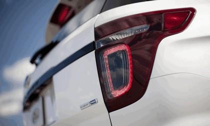 2013 Ford Explorer Sport 19