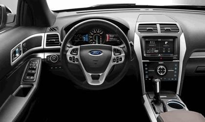 2013 Ford Explorer Sport 26
