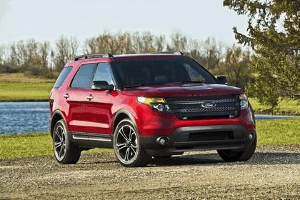 2013 Ford Explorer Sport 31