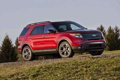 2013 Ford Explorer Sport 37