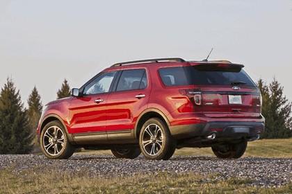 2013 Ford Explorer Sport 38