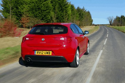 2012 Alfa Romeo Giulietta - UK version 4