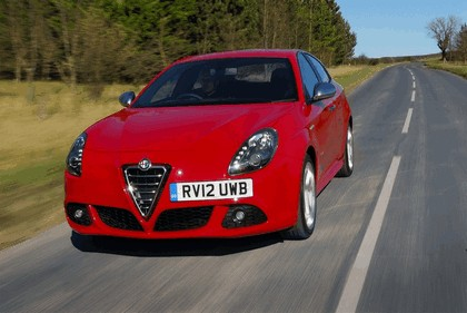 2012 Alfa Romeo Giulietta - UK version 5