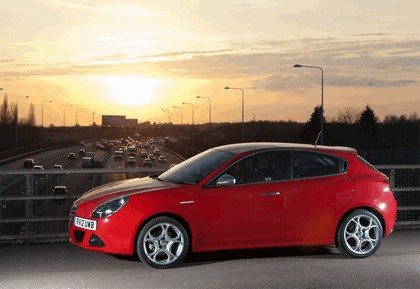 2012 Alfa Romeo Giulietta - UK version 7