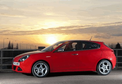 2012 Alfa Romeo Giulietta - UK version 8