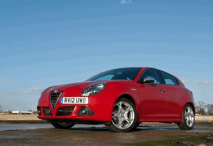 2012 Alfa Romeo Giulietta - UK version 13