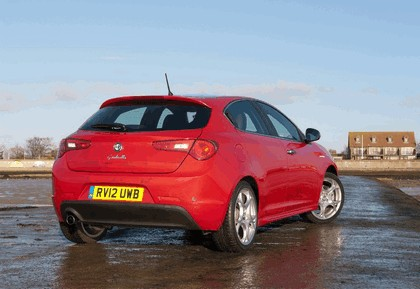 2012 Alfa Romeo Giulietta - UK version 18