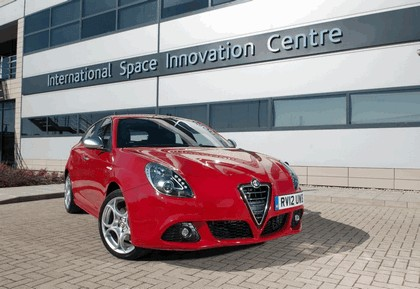 2012 Alfa Romeo Giulietta - UK version 25