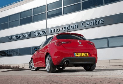 2012 Alfa Romeo Giulietta - UK version 30