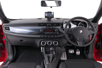 2012 Alfa Romeo Giulietta - UK version 34