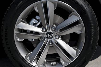 2013 Hyundai Santa Fe 15