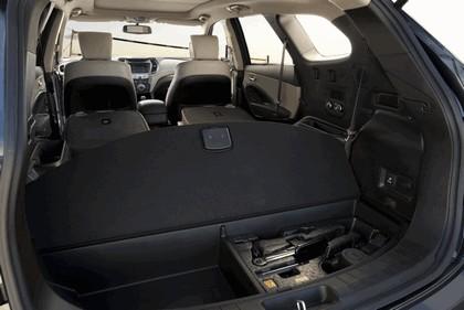 2013 Hyundai Santa Fe 16