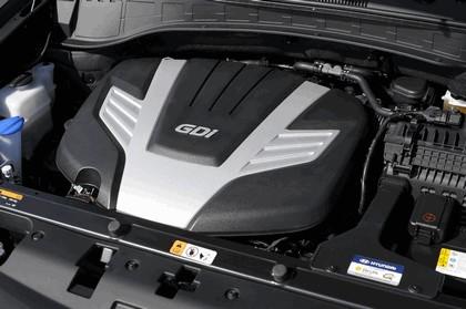 2013 Hyundai Santa Fe 18