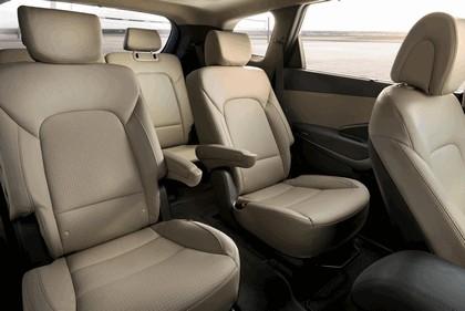 2013 Hyundai Santa Fe 21