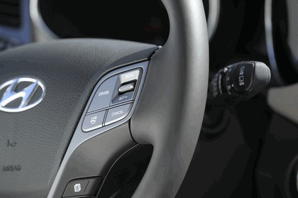 2013 Hyundai Santa Fe 23