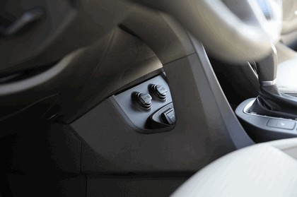 2013 Hyundai Santa Fe 24