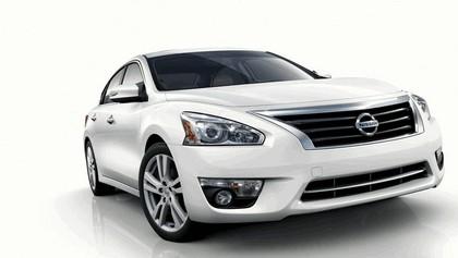 2013 Nissan Altima sedan 1