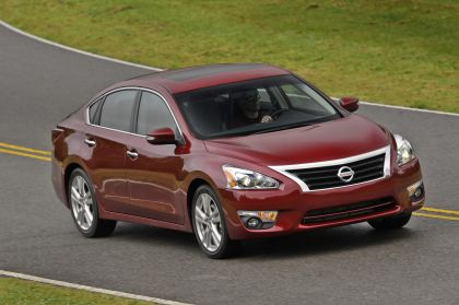 2013 Nissan Altima sedan 25