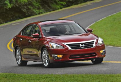 2013 Nissan Altima sedan 26