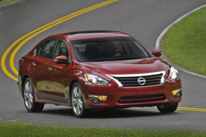 2013 Nissan Altima sedan 28