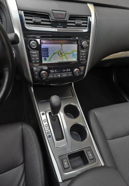 2013 Nissan Altima sedan 50