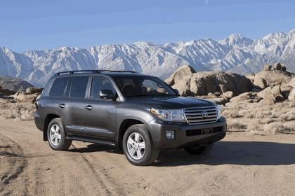 2013 Toyota Land Cruiser 1