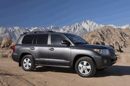 2013 Toyota Land Cruiser 2