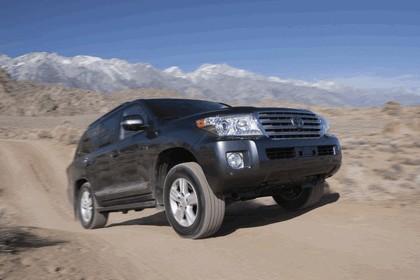 2013 Toyota Land Cruiser 3