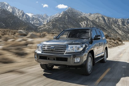 2013 Toyota Land Cruiser 6