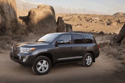 2013 Toyota Land Cruiser 8