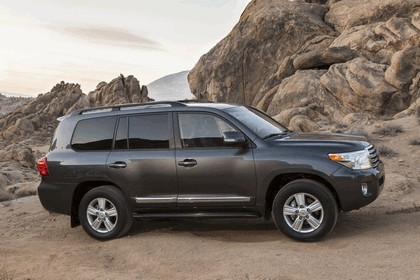 2013 Toyota Land Cruiser 10