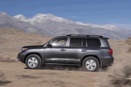 2013 Toyota Land Cruiser 11