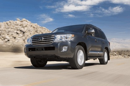 2013 Toyota Land Cruiser 12