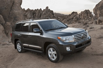 2013 Toyota Land Cruiser 14