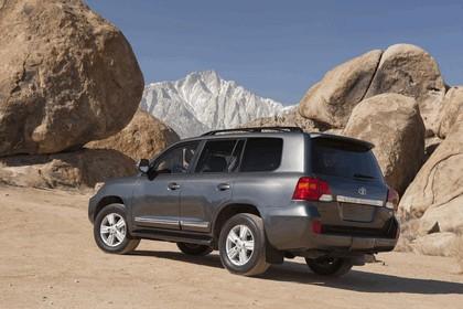 2013 Toyota Land Cruiser 17