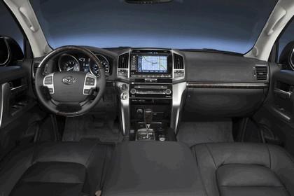 2013 Toyota Land Cruiser 27
