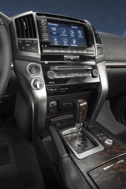 2013 Toyota Land Cruiser 28
