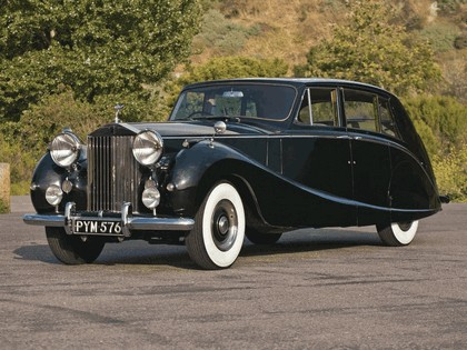 1958 Rolls-Royce Silver Wraith Hooper Limousine 1