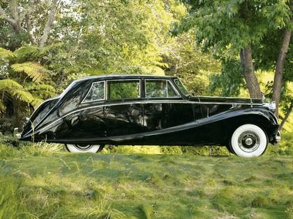 1958 Rolls-Royce Silver Wraith Hooper Limousine 5
